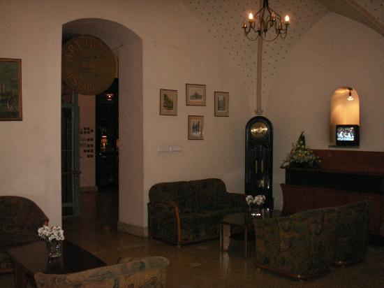 Art Hotel lobby