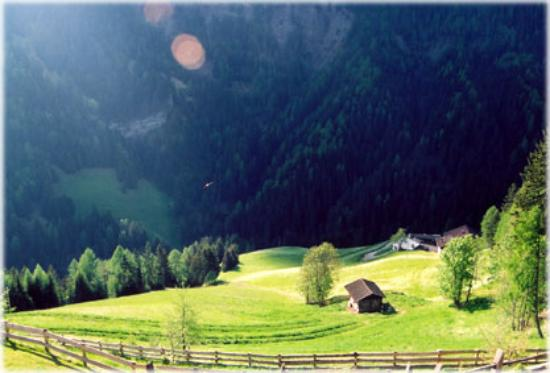 Hotel Uhrerhof-Deur: View from balcony