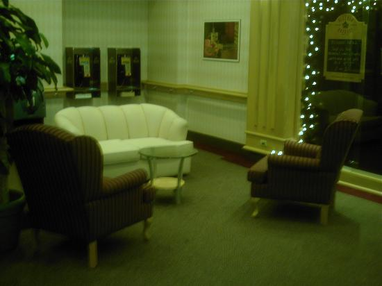 Future Inns Halifax: The Lobby
