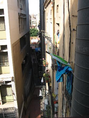 Hotel Toledano and Hostal R. Capitol: View from room with a/c