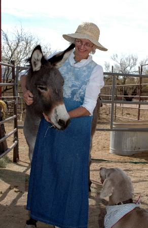 Double K Ranch Bed and Breakfast: Mary Karrel and resident friend