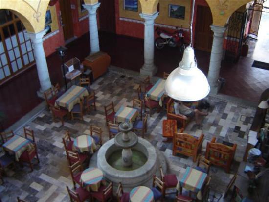 Hotel Anua Oaxaca: The hotel lobby/restaurant