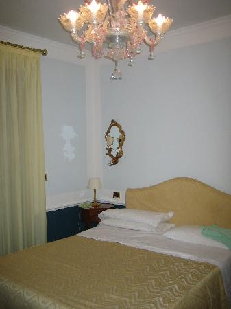 Pantalon Hotel Picture