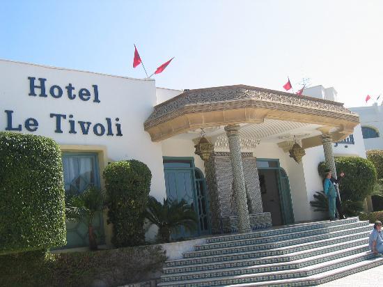 Hotel Le Tivoli: Hotel Entrance