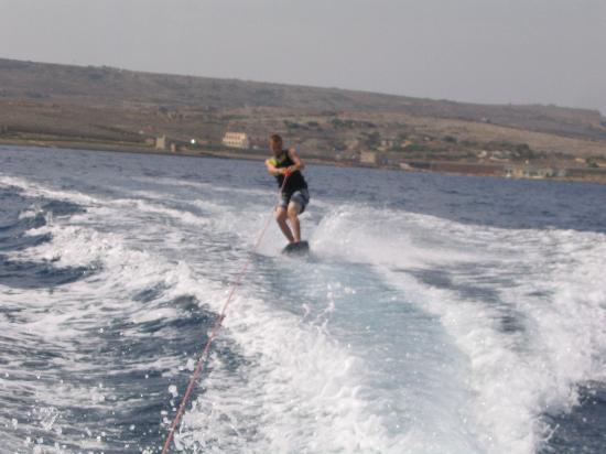 Ramla Bay Resort: Wake Boarding