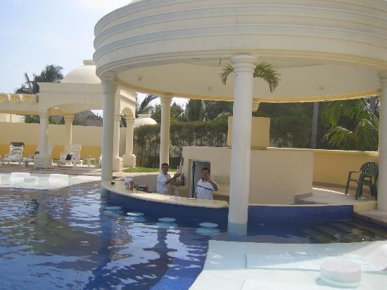 Club Maeva Tampico Miramar: solarium/swim up bar
