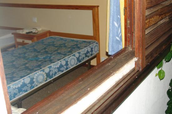 Roca Verde Apartments : Matratzen in der Mitte durchgelegen - Unterlage Spanplatte