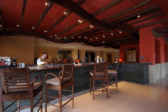 Ramla Bay Resort: Main Bar