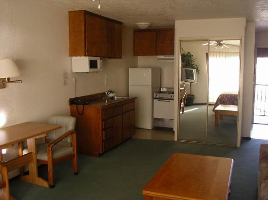 Moonlight Beach Motel: Room 307