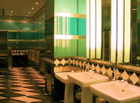 Disney's Hollywood Hotel : lobby washroom (isnt this heaven?! haha!)