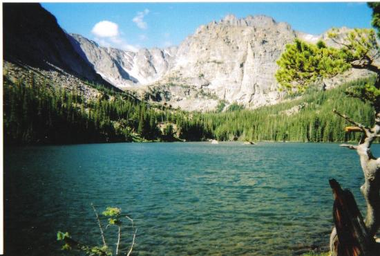 Parque Nacional de las Montañas Rocosas, CO: Here is the loch on the way to sky pond, from the East side