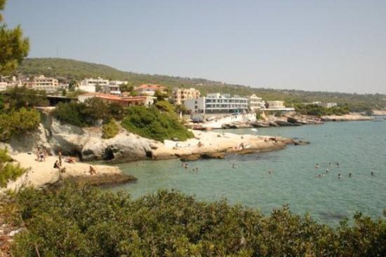 Hotel Karyatides: Cliff Side