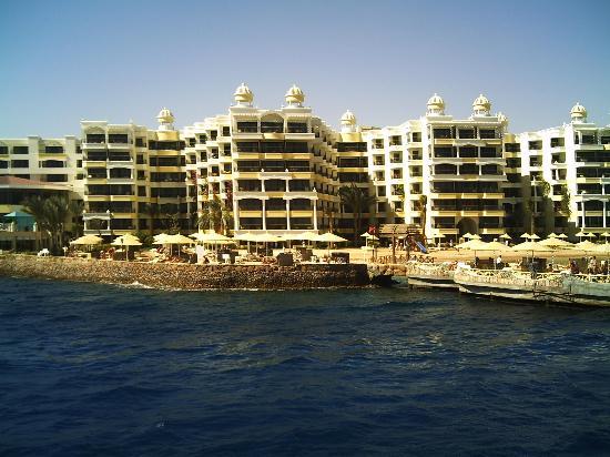 SUNRISE Holidays Resort: Rear Of Hotel