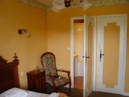Le Parc de l'Hostellerie : our room 60euros