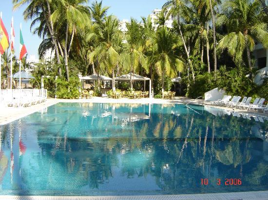 Elcano Hotel: Swimming Pool Area