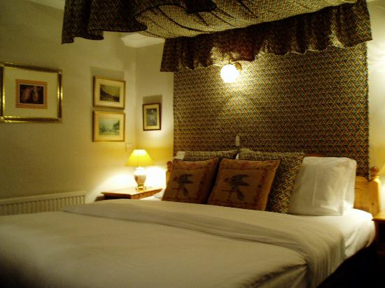 Cranborne Guest Accommodation: A bedroom to relax in