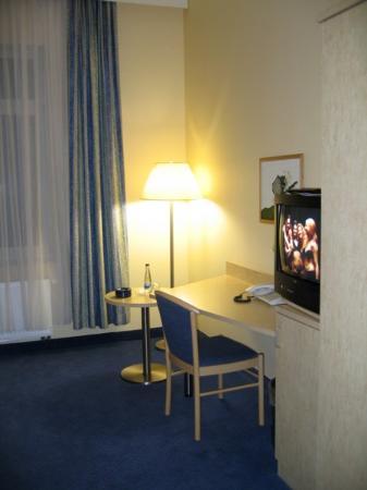 Fairway Hotel: Room view