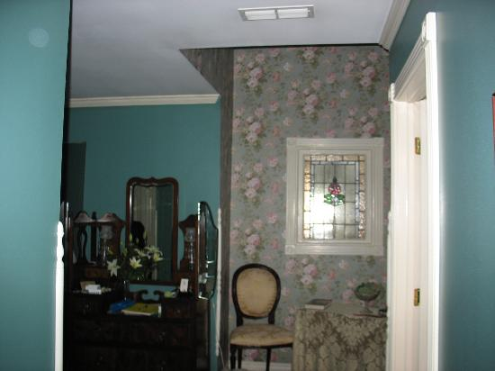 The Inn at Rose Hall Bed and Breakfast: So Pretty...So Comfy