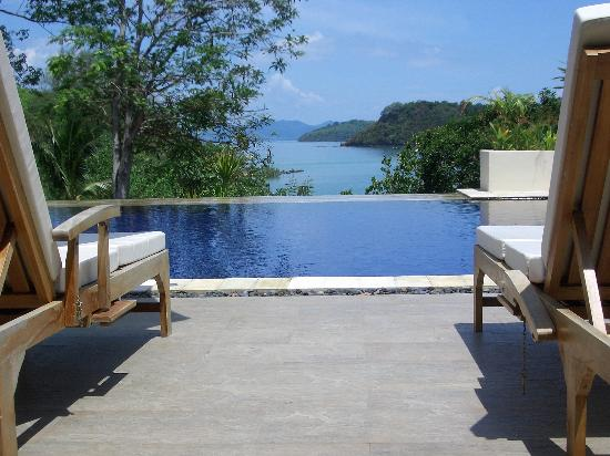 Chandara Resort & Spa: from the bar across the pool to the sea