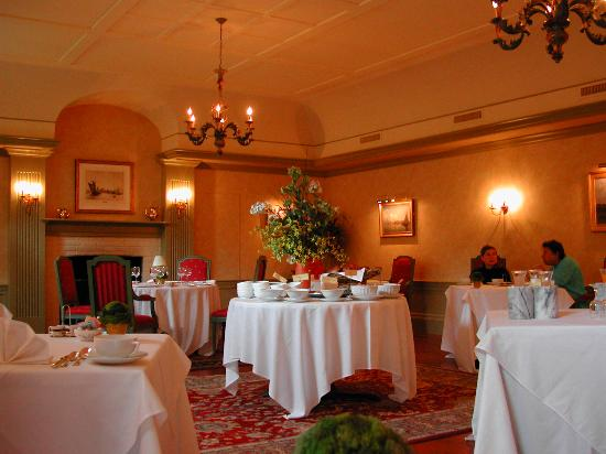 Home Hill Inn: Dining Room