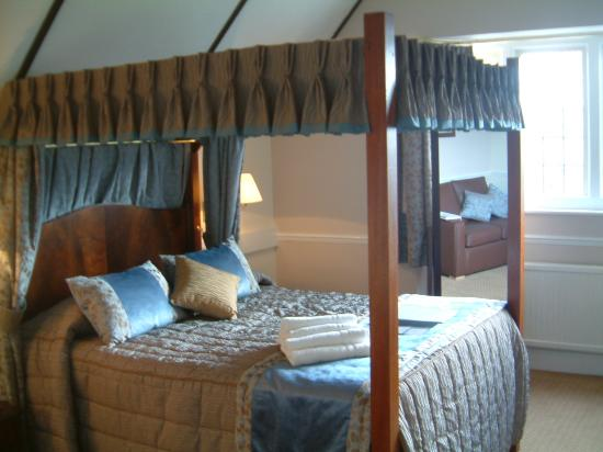 Farnham House Hotel: our bedroom