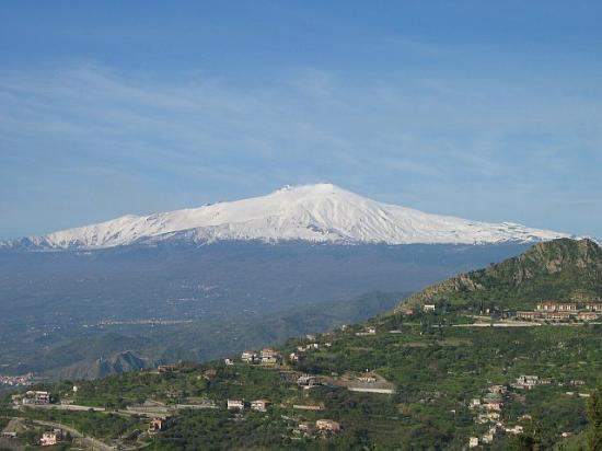 Hotel Villa Ducale: Mt. Etna view from our room