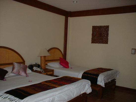 Paradise Beach Resort: Ground floor room