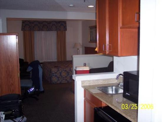 Comfort Inn & Suites Airport - American Way : Holiday inn express Memphis