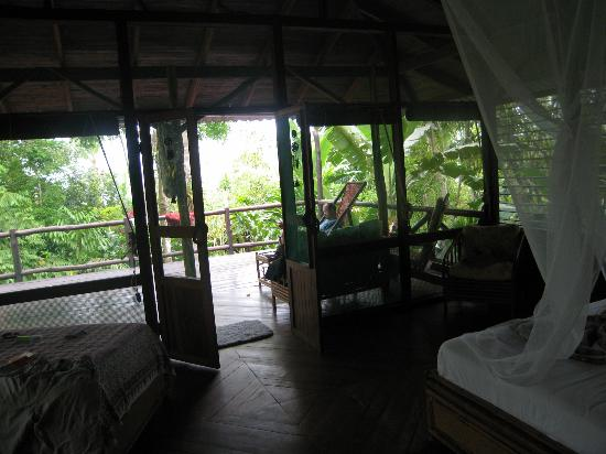 Iguana Lodge: Great deck