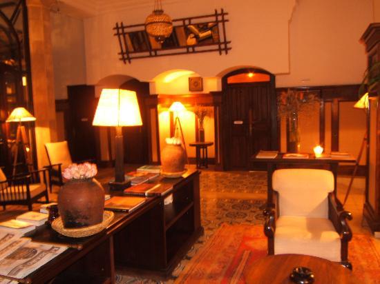 L'Heure Bleue Palais: lobby
