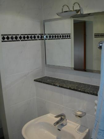 Hotel Wegener: bathroom