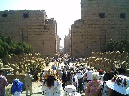 SUNRISE Holidays Resort: Entrance to the Kharnak Temple