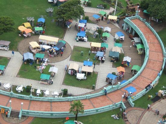 Southern Sun Elangeni & Maharani: Amphithetre, has a market on sundays