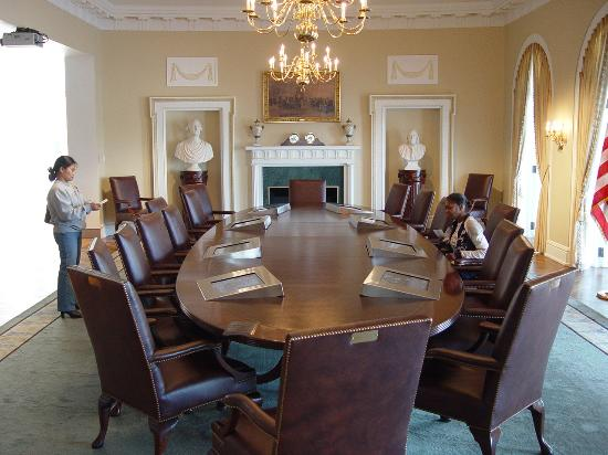 William J. Clinton Presidential Library: A Replica Of The Cabinet Room
