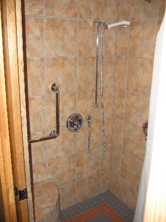 Courtney's Place: Shotgun Cottage C-6 Bathroom #1