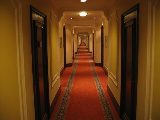 The Oberoi Grand: Corridor