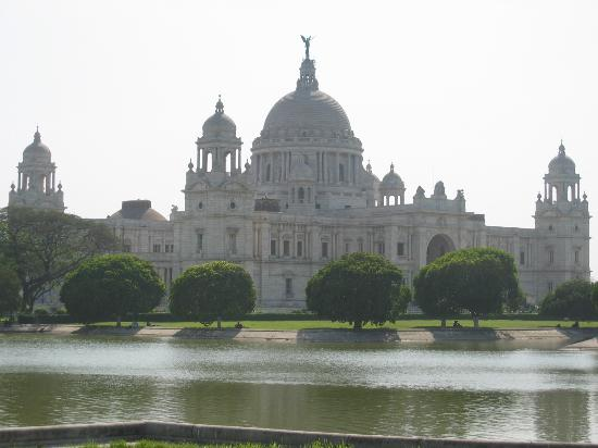 The Oberoi Grand: No, not the hotel, it's the Victoria Memorial