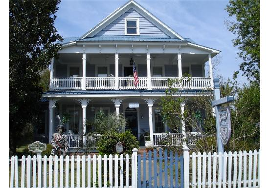 Goodbread Inn Bed and Breakfast: A charming inn!