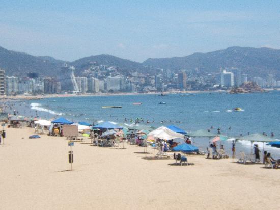 Hotel Casa Inn Acapulco: TONS OF BEACHES