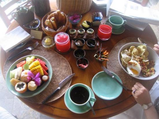 Four Seasons Resort Bali at Jimbaran Bay: Breakfast each day