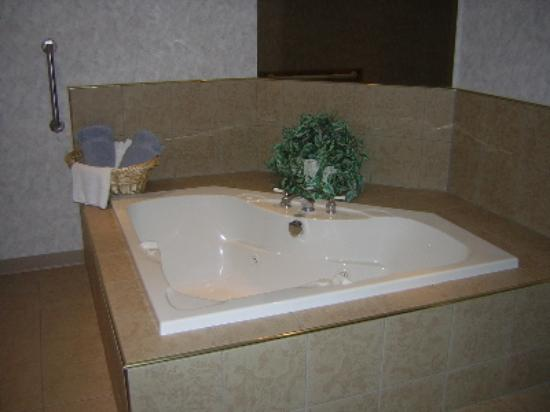 "Econo Lodge Inn & Suites - Plattsburgh: A spotless tub in the ""Spa Suite."""