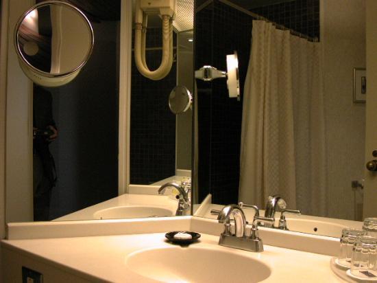 Bathroom Vanity Area Picture Of Hyatt Regency Montreal Montreal - Bathroom vanities montreal
