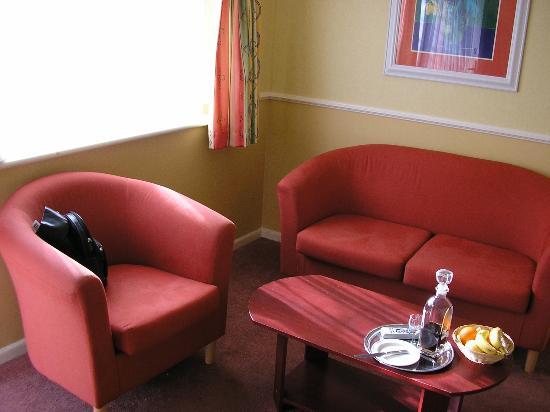 Warner Lakeside Coastal Village: Lounge Area