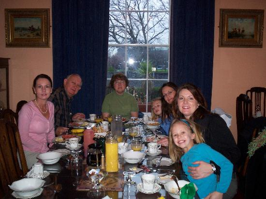 Blackstone House B&B : Our Family at Breakfast