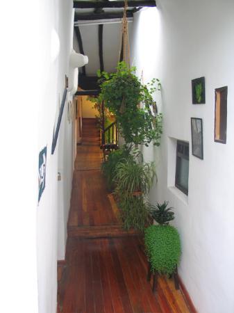 Hostal El Grial: hallway