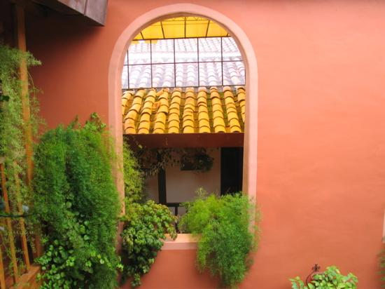 Hostal El Grial: inside