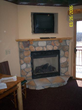 Great Wolf Lodge: fireplace in the room