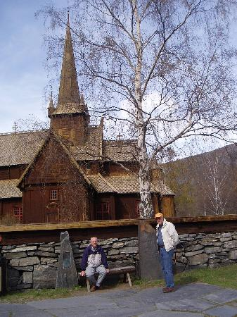 Oppland, Noruega: Lom stave church you find in Lom Centre on R15
