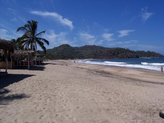 Rincon de Guayabitos, Meksika: Beach at beach club