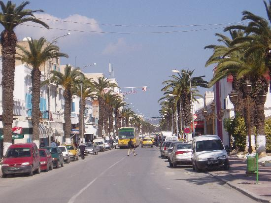 ‪حلق الوادي, تونس: The main street of La Goulette‬